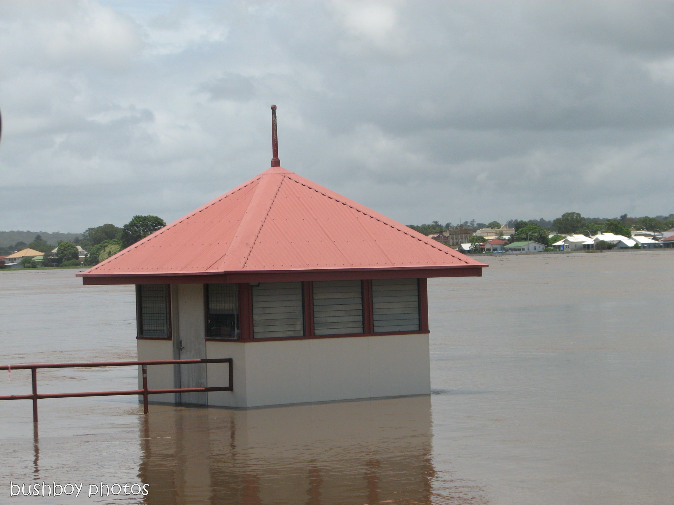 170426_water_grafton flood_boat shed tower