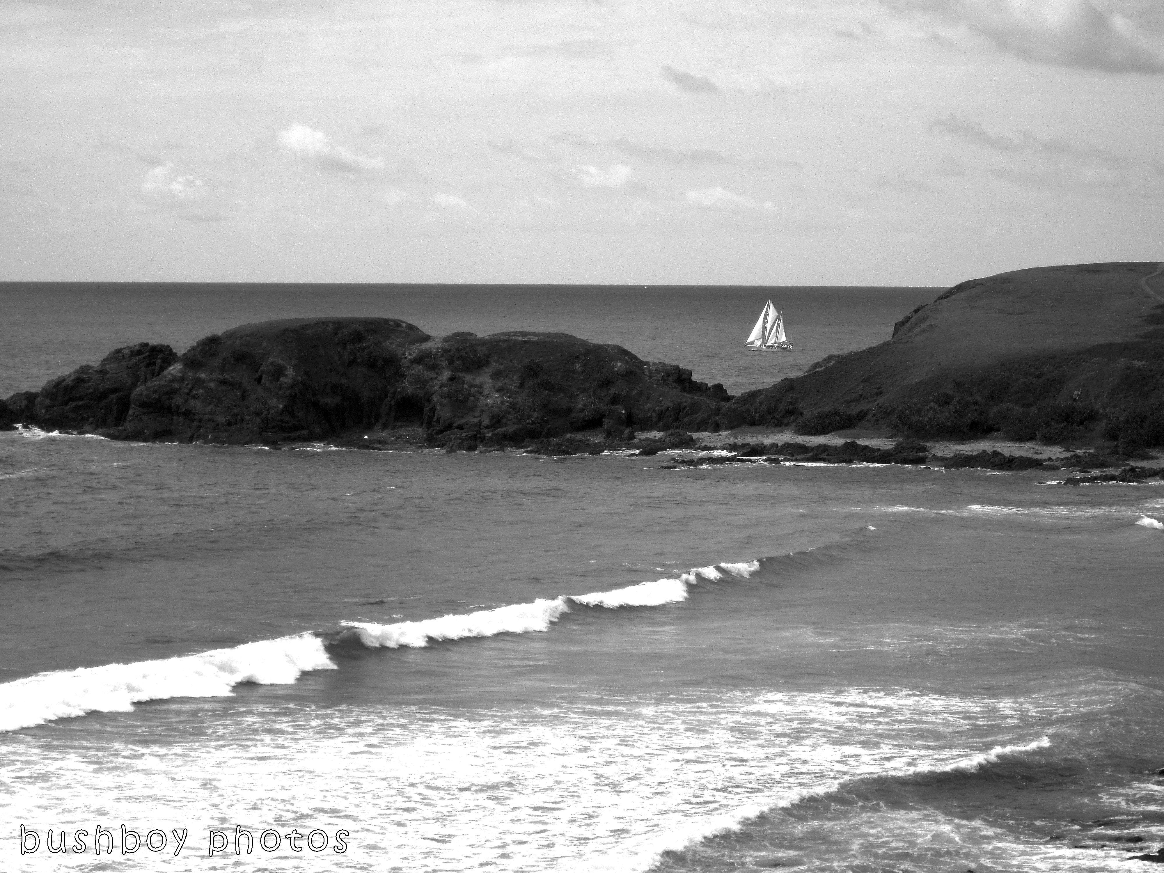 171230_blog challenge_blackandwhite_water_yacht