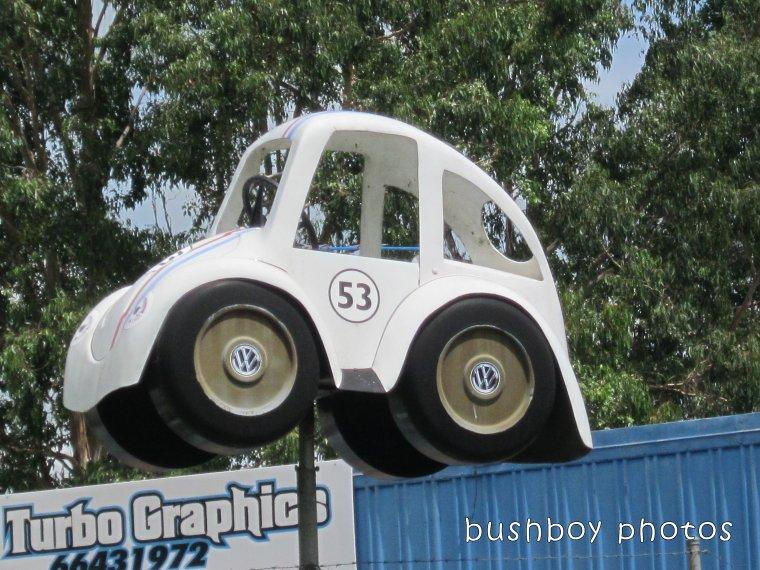 180306_odd ball_car sign