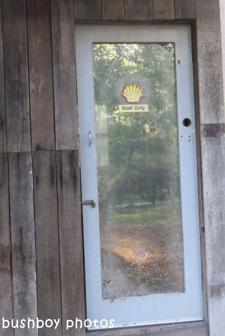 180331_blog challenge_recycled_playhouse door
