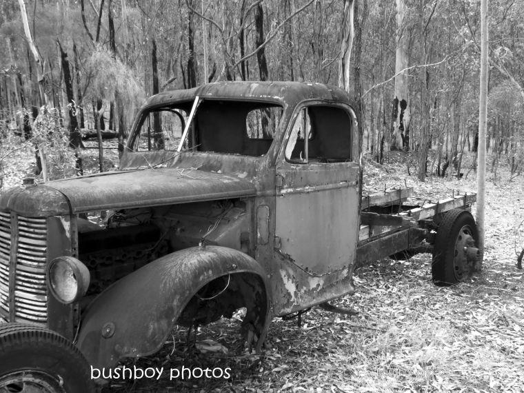 180406_blog challenge_blackandwhite_cars_trucks_motorcycle_duroux rd