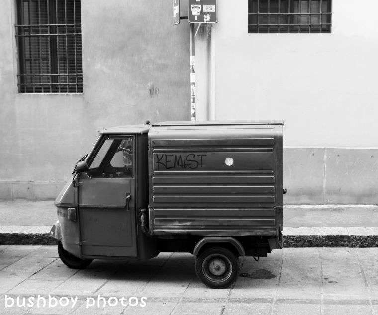 180406_blog challenge_blackandwhite_cars_trucks_motorcycles_car_bologna
