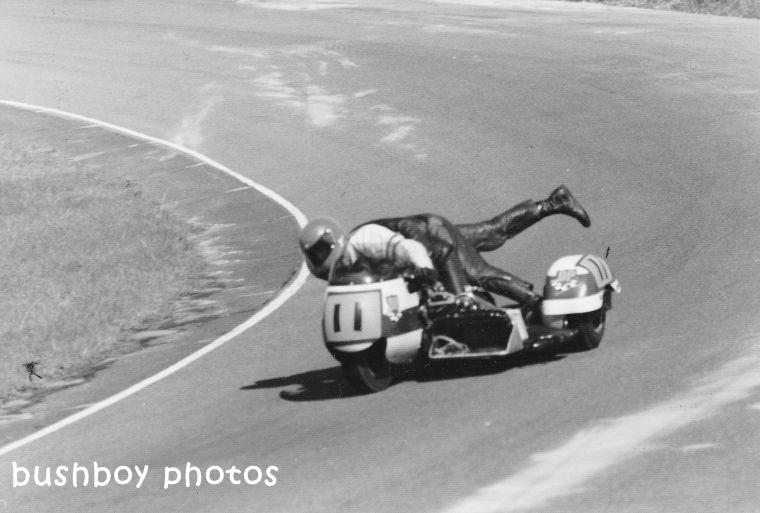 180406_motorbike racing_blackand white_crop3