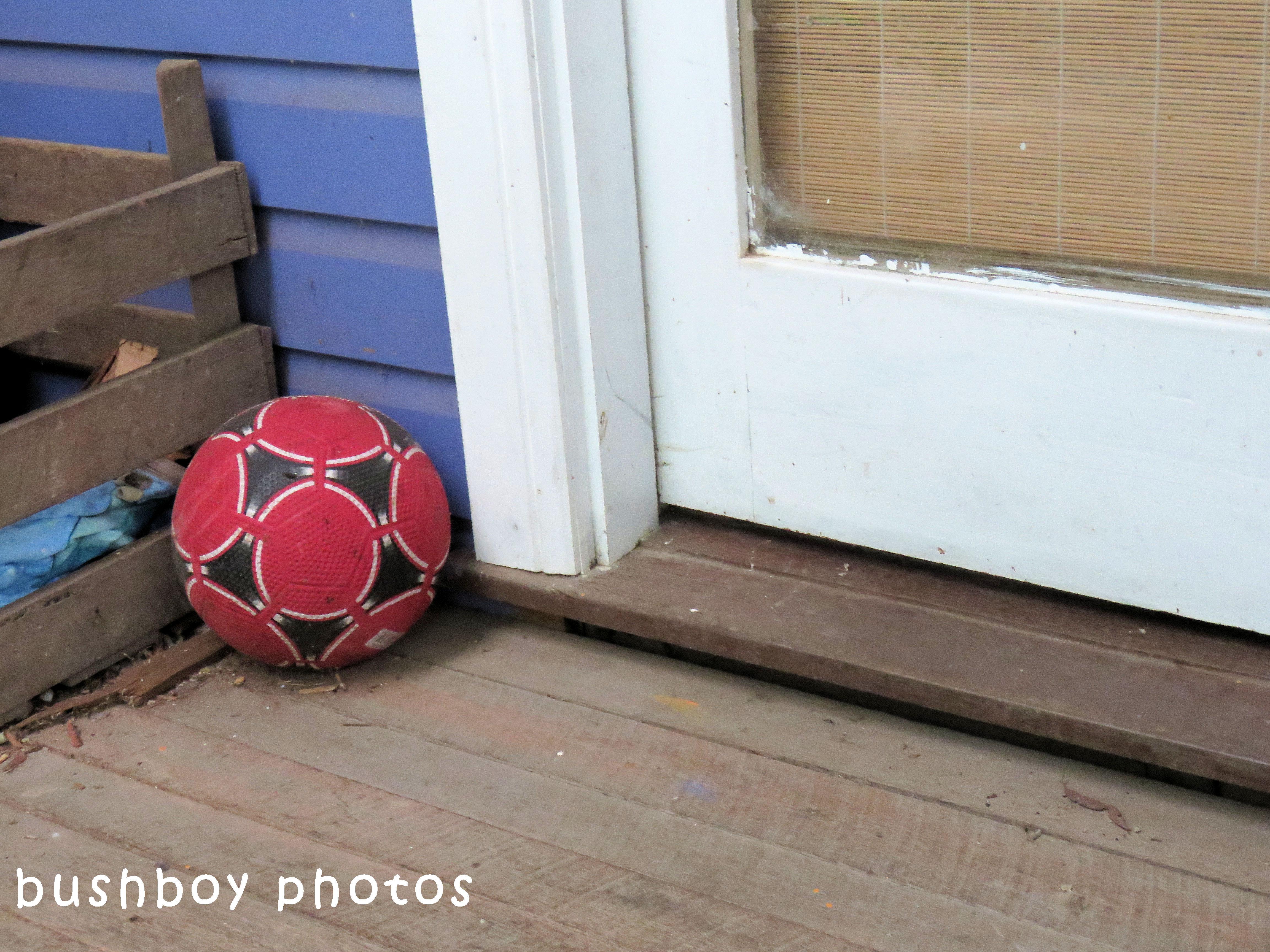 180504_odd ball_football