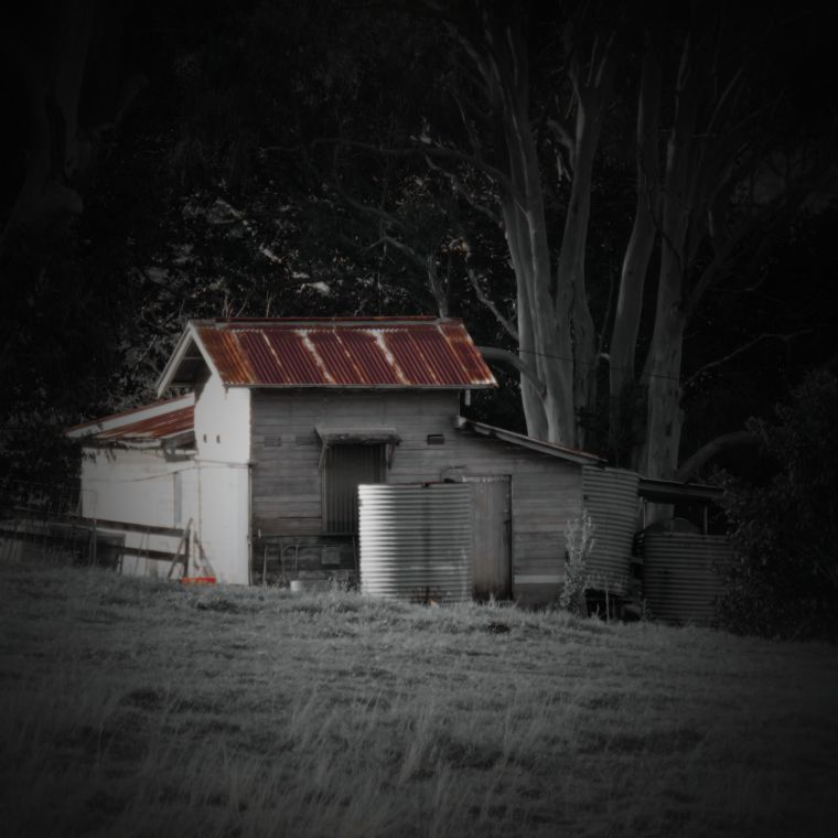 180623_square rooves_ farm shed_old dairy_caniaba