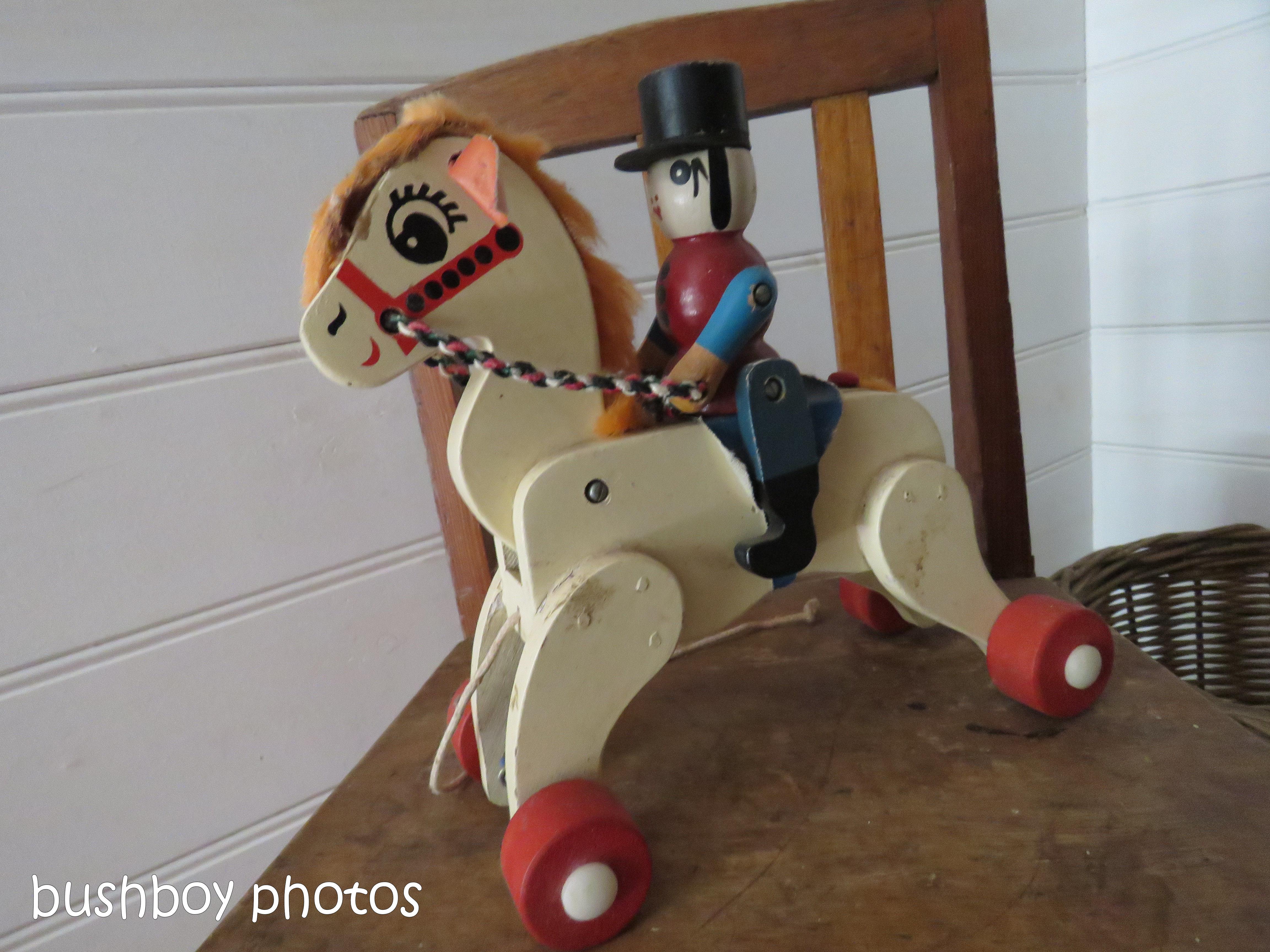 180816_blog challenge_toys_horse