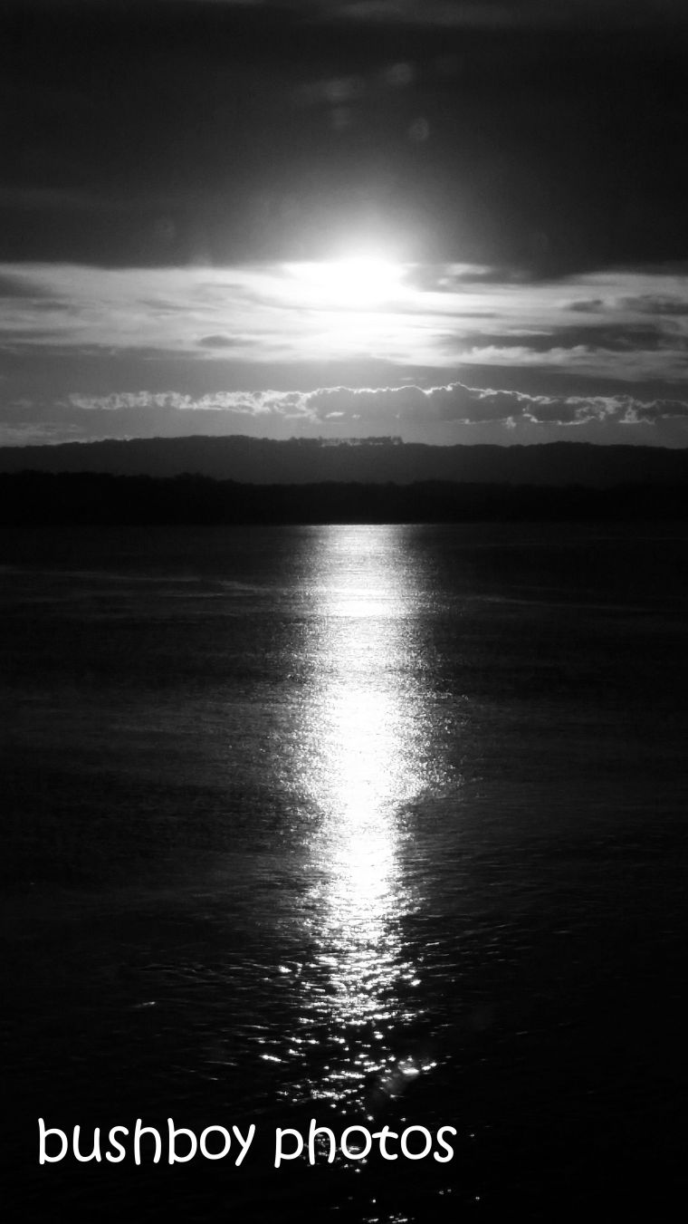 180817_blog challenge_blackandwhite_mirors_reflection_sunset