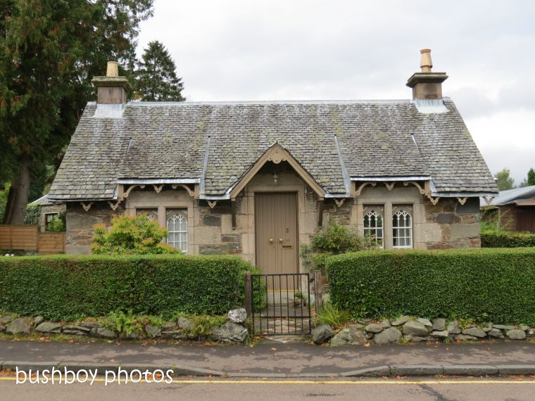 180820_blog challenge_over 100 years old_luss_scotland_cottage1