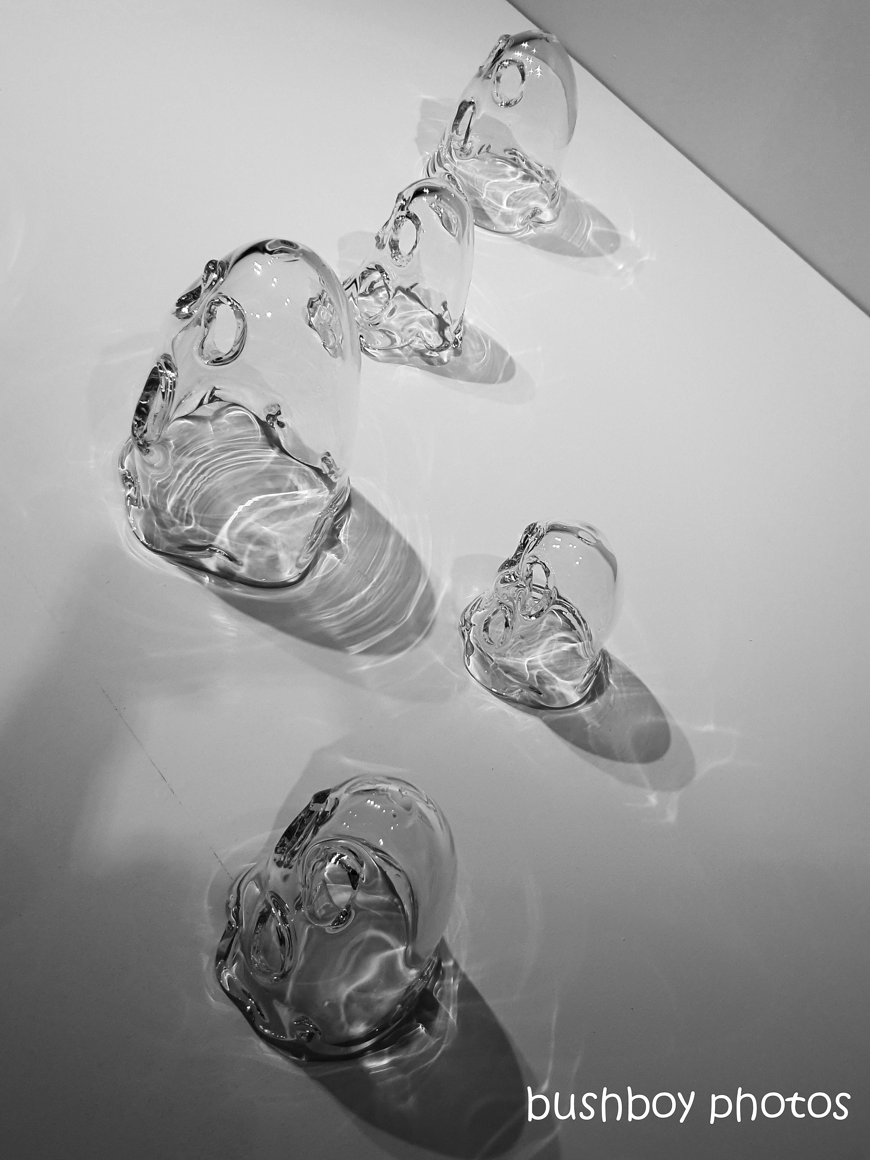 180903_blog challenge_black and white_glass_art glass