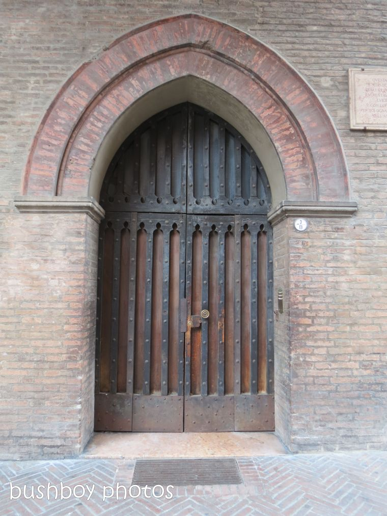 181020_blog challenge_door_bologna
