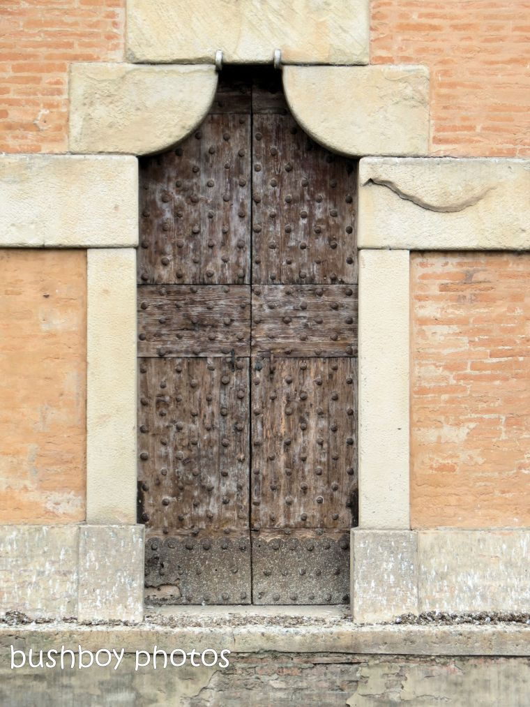 181020_blog challenge_door_old_bologna