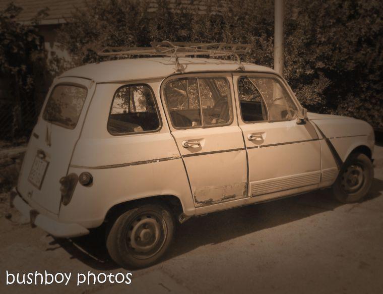 181106_blog challenge_sepia_brac_croatia_car