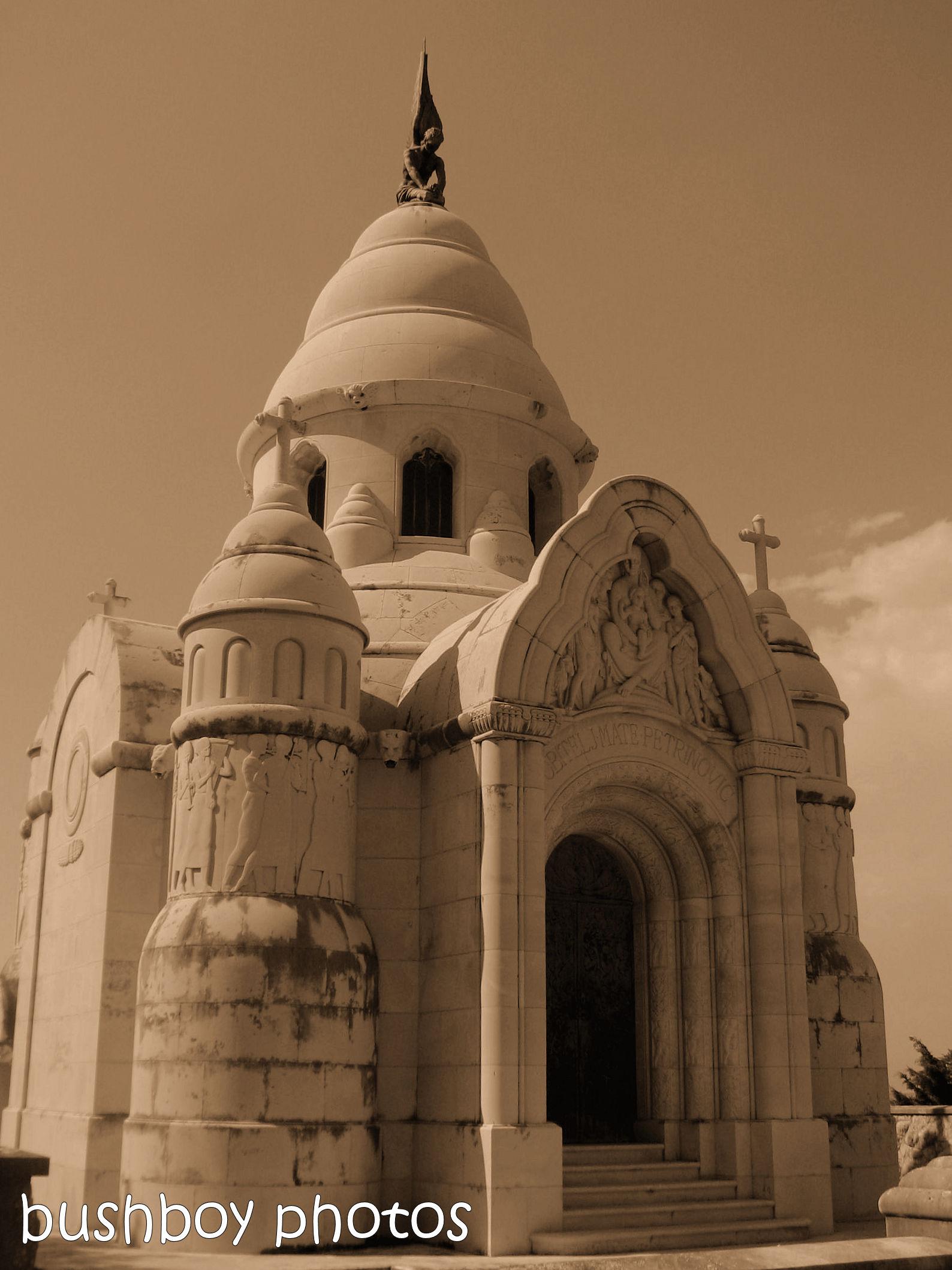 181106_blog challenge_sepia_brac_croatia_mausoleum
