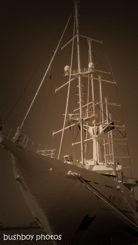 181106_blog challenge_sepia_brac_croatia_ship