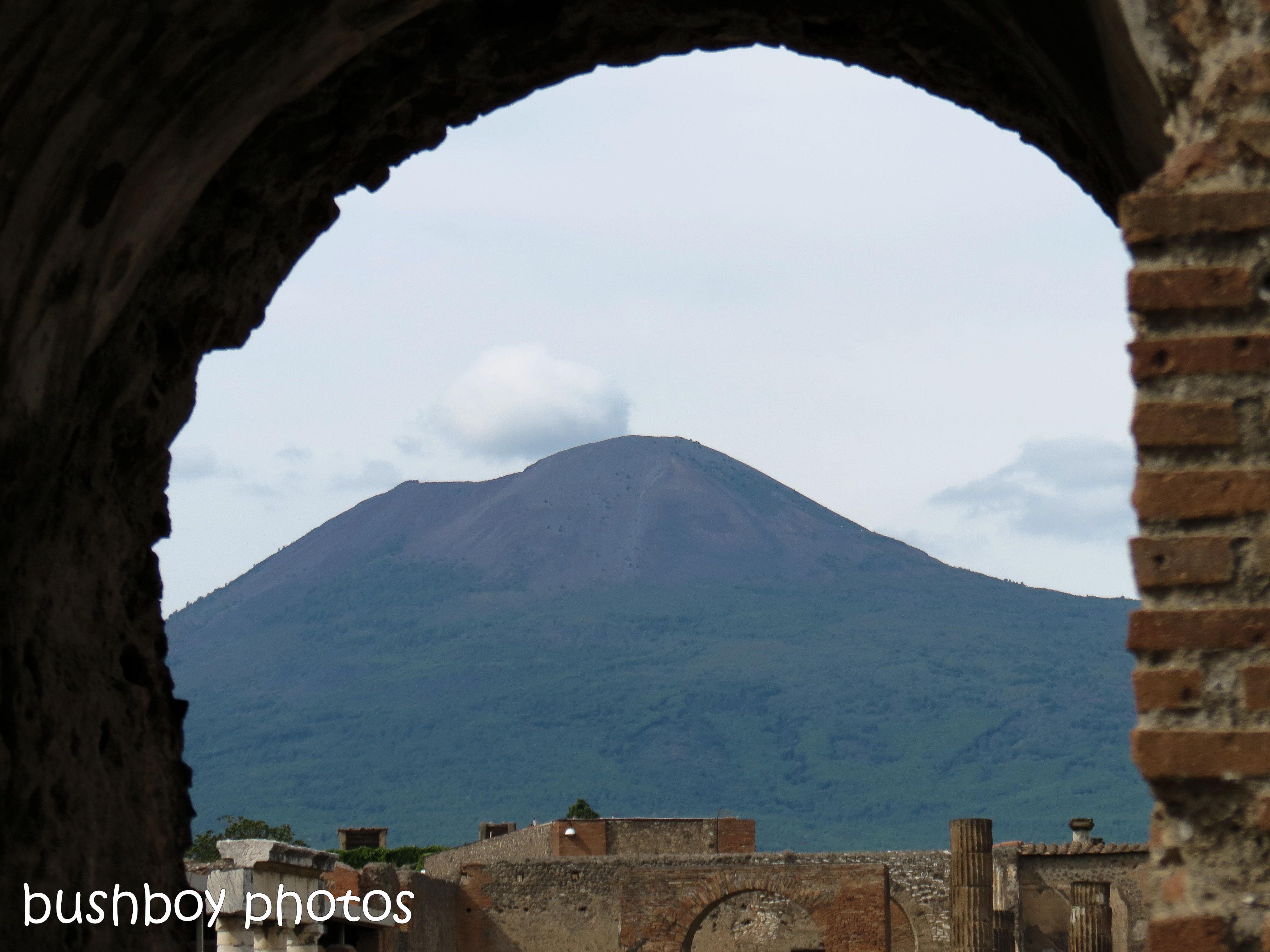 181112_blog challenge_mountain_vesuvius_pompeii