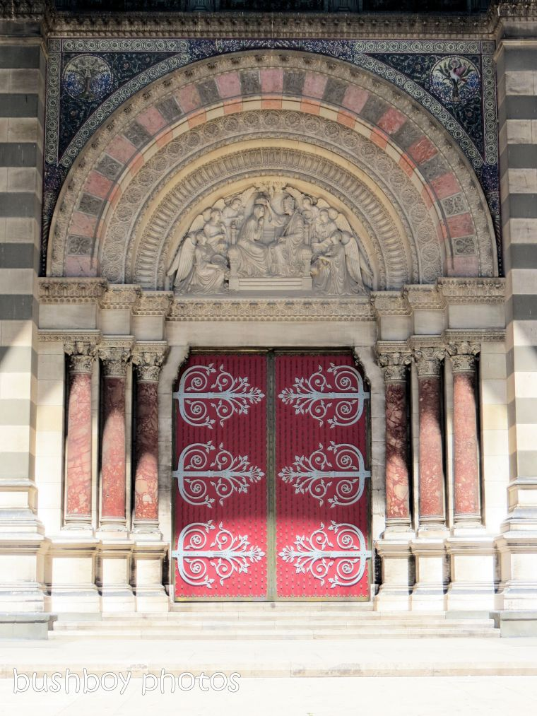 181119_blog-challenge_doors_doorways_marseilles