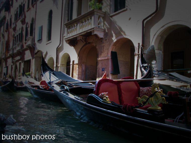 181120_blog challenge_boats_venice_gondala