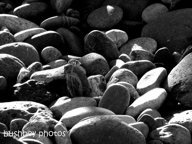 181214_blog challenge_blackandwhite_rocks_boulder_stones_lots