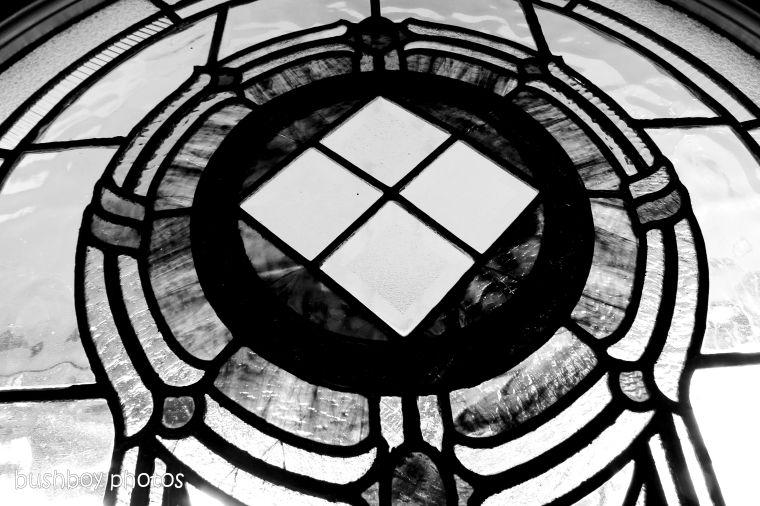 190104_blog_challenge_blackandwhite_geometric_shapes_victor_harbour_window