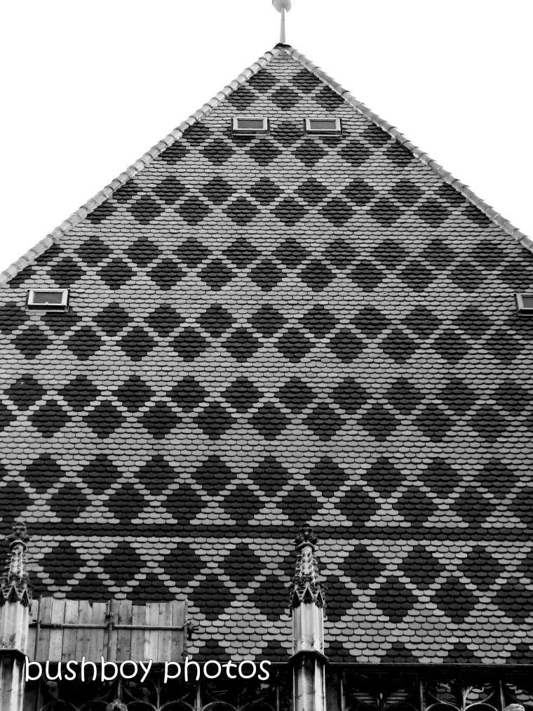 190104_blog_challenge_blackandwhite_geometric_shapes_vienna_building