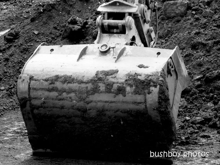 190201_blog_challenge_blackandwhite_construction_bucket