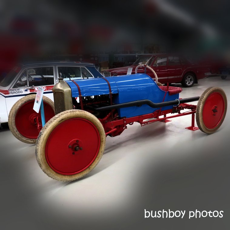 190728_blog_challenge_blue_car_red_wheels