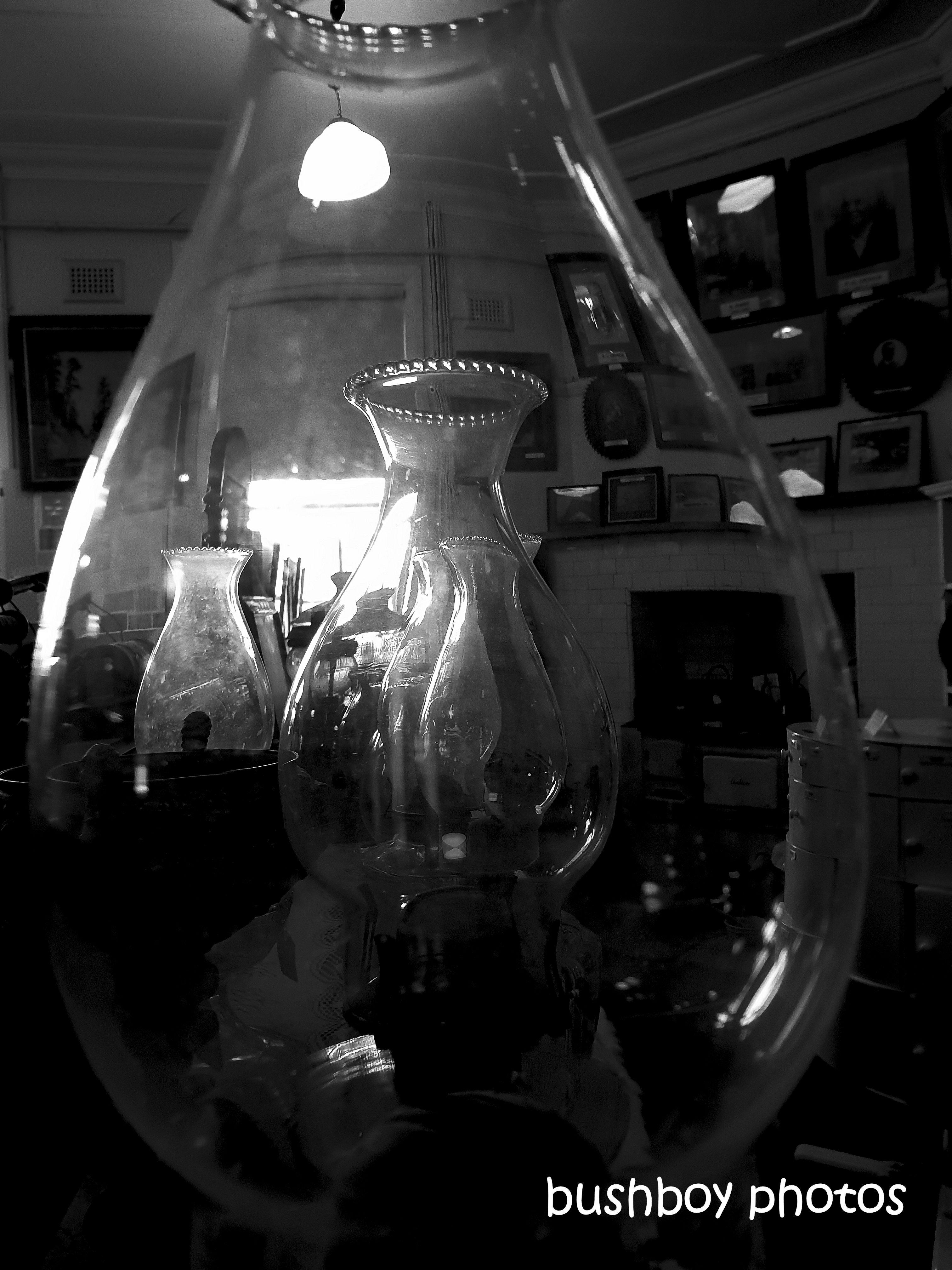 190812_blog_challenge_blackandwhite_lighting_kero_lamps_casino