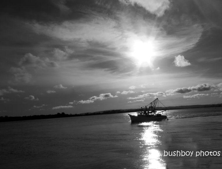 191004_blog_challenge_blackandwhite_side_of_things_trawler2