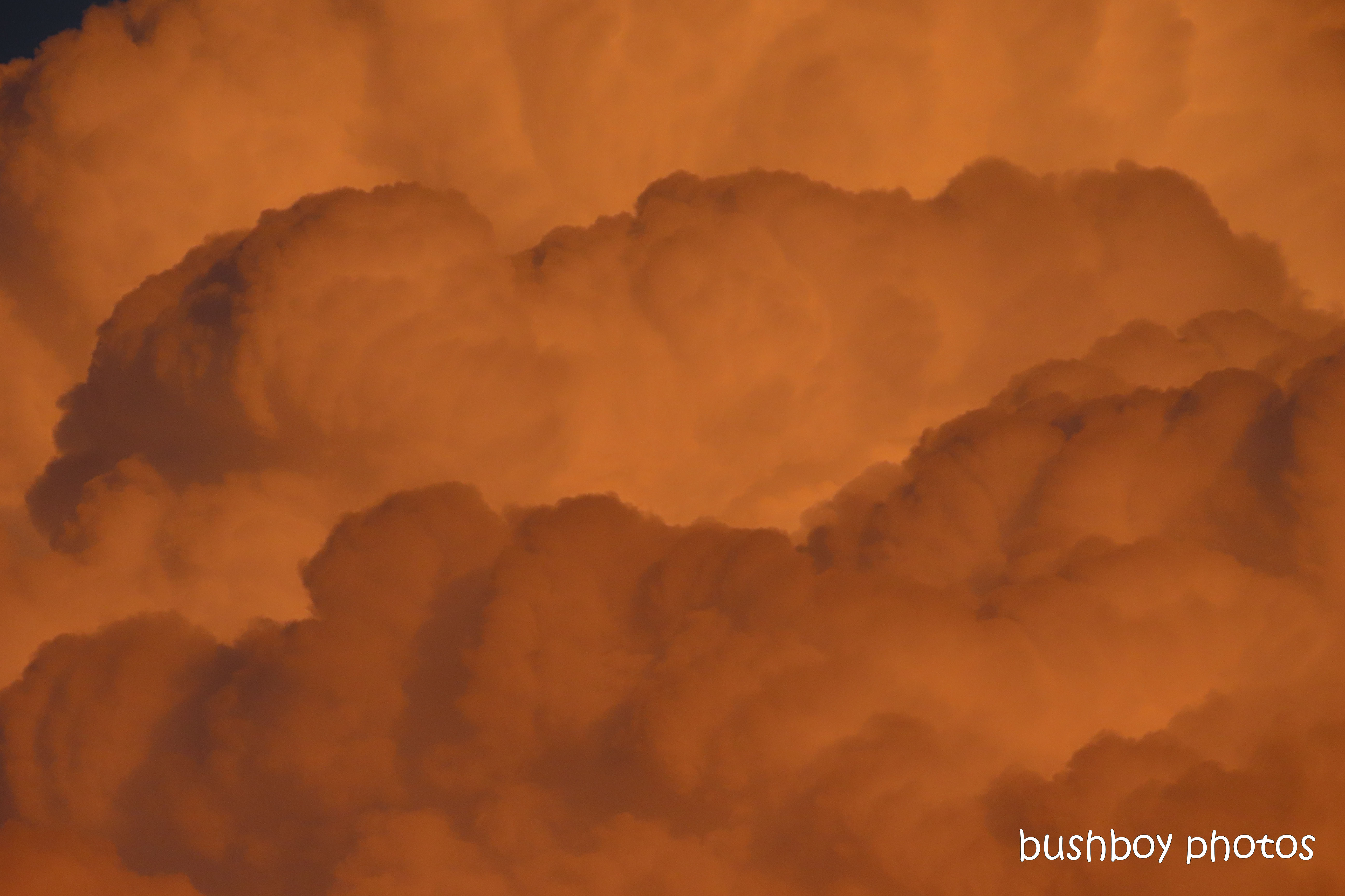 191021_blog_challenge_layered_sunset4_clouds_red