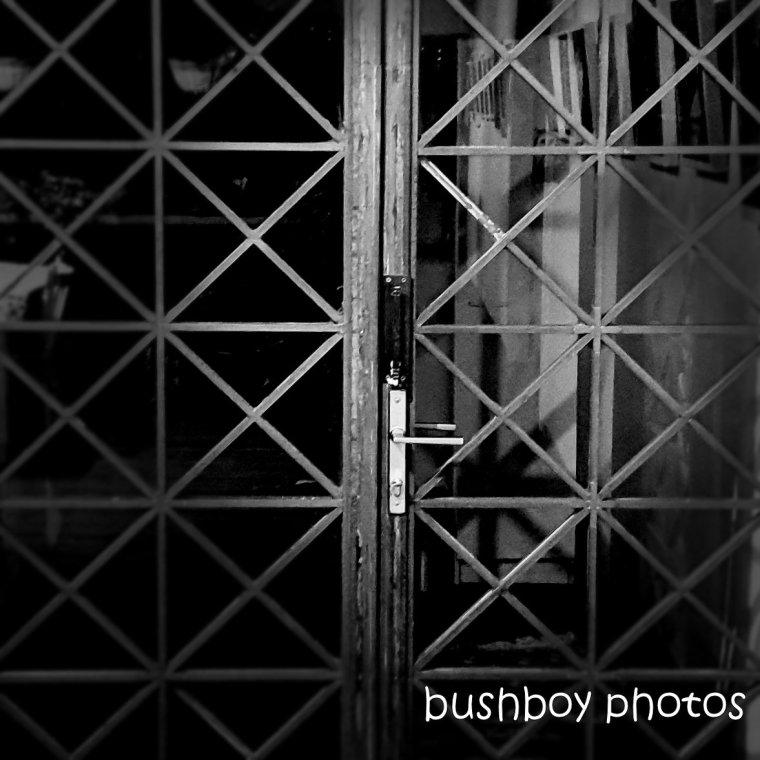 191027_blog_challenge_square_line_door