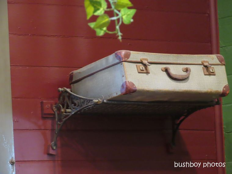 191229_blog_challenge_silent_sunday_luggage_rack_case_pub_mullumbimby