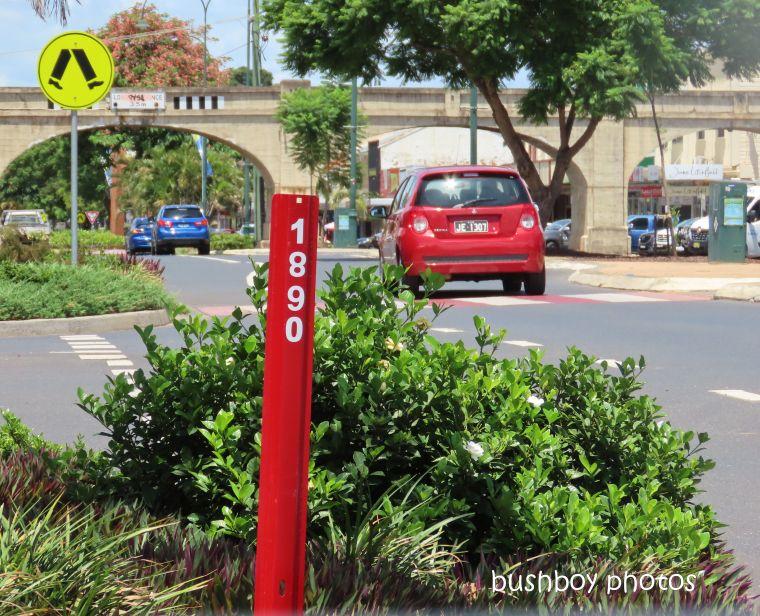 20200127_blog challenge_red_post_car
