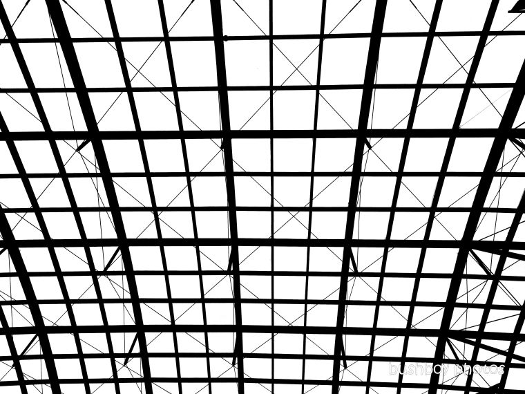 20200207_blog_challenge_blackandwhite_shapes_ceiling